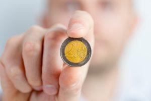 投資信託から始めるのはやめるべき【大事なのはお金の知識】