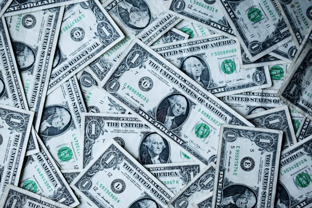 一番儲かっているのはお金のプロ